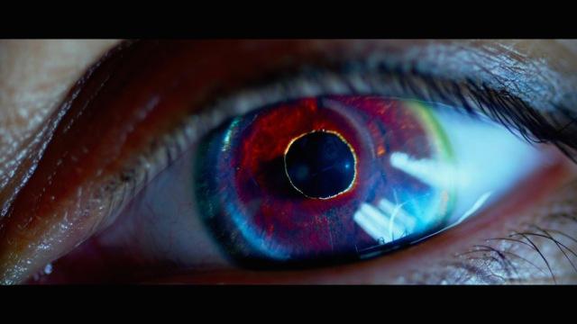 lucy-2014-movie-screenshot-red-eye