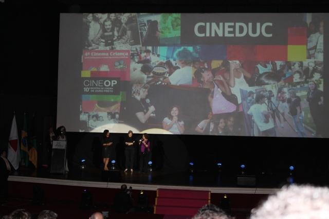 Cerimônia de Abertura : Homenagem ao CINEDUC. (foto: Sonia Rocha)