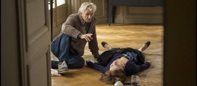 Paul Verhoeven dirigindo Isabelle na cena que costura o filme inteiro.